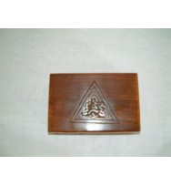 Box Celtic triangle carving