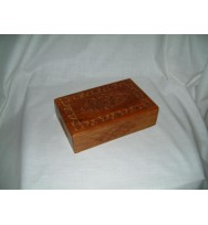 Box w/intricate border/panel carving